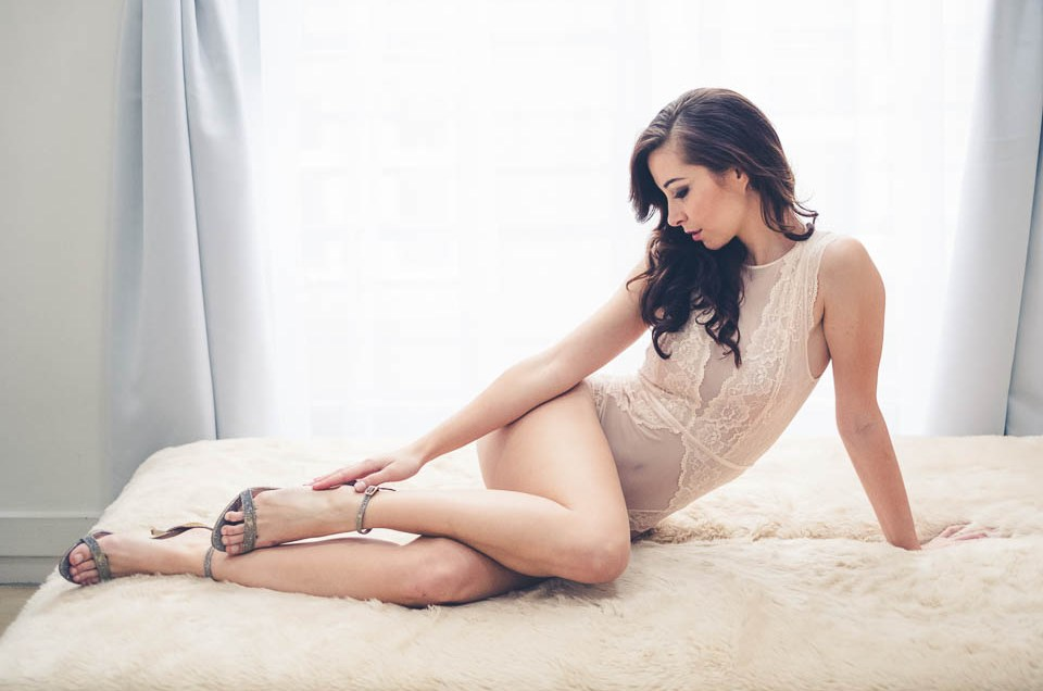 Tan skin and boudoir photography