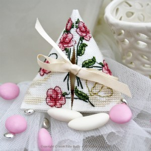 Sweet Roses Humbug - Faby Reilly Designs