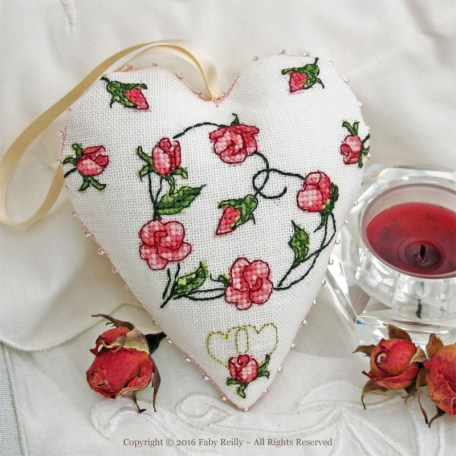 Sweet Roses Heart - Faby Reilly Designs