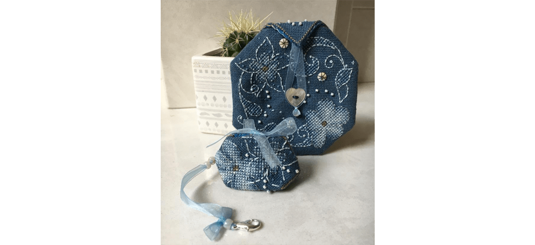 Flora Pouch - stitched by Colette