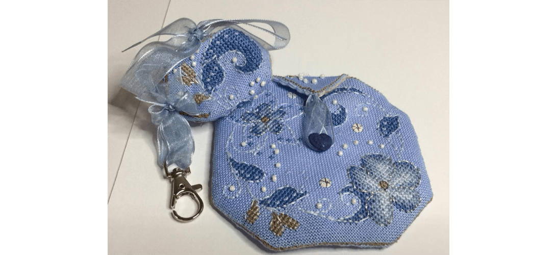 Flora Pouch - stitched by Elaine