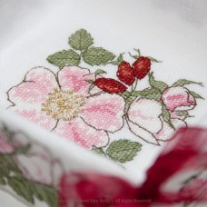 Wild Rose Basket (desk tidy)
