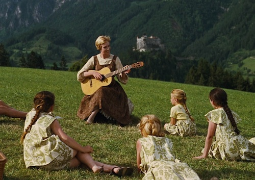 Maria Von Trapp singing to children in