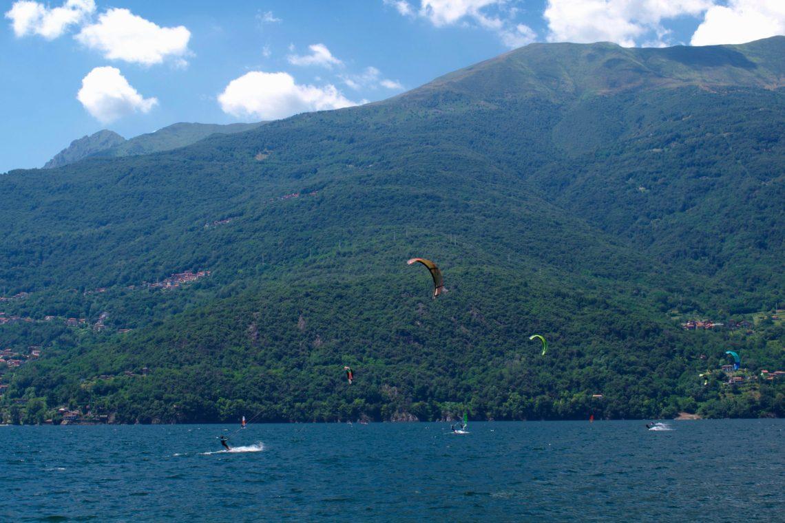 Kitesurf sul lago di Como.