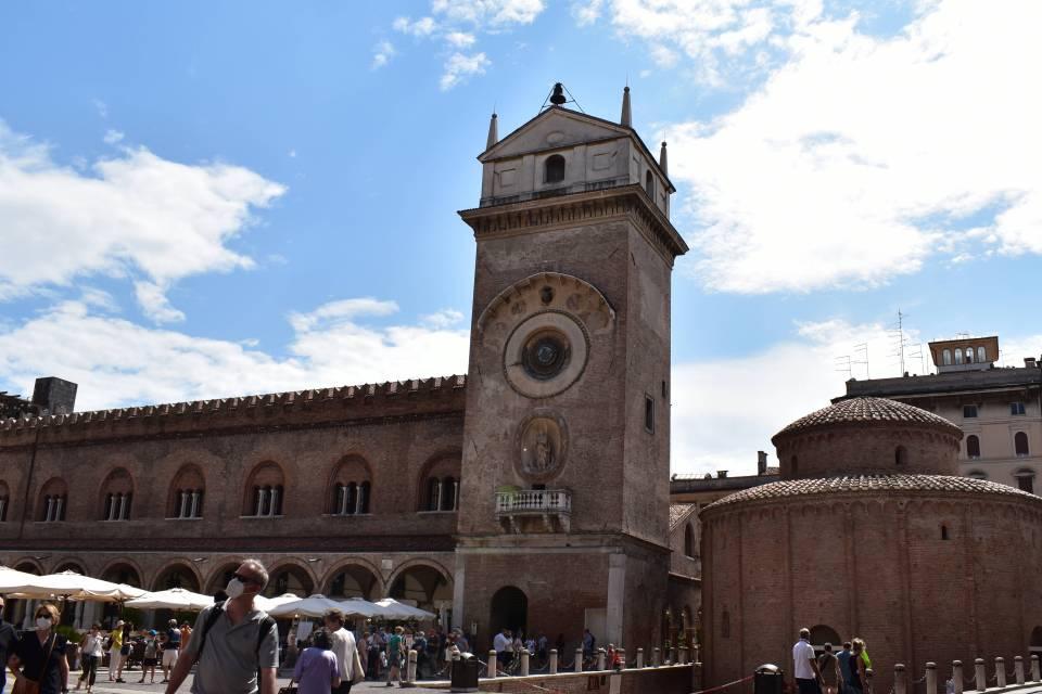 Palazzo della Ragione e Torre dell'orologio.