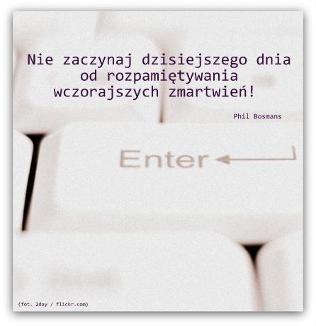 936679_595343043810196_1196305143_n