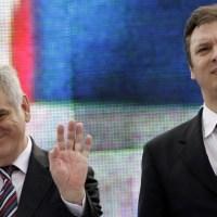 Лондон, Меркелова и Ђукановић у ствари управљају Србијом