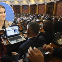 Зашто би се Србија стидела гнусног чина који са њом нема апсолутно никакве везе?