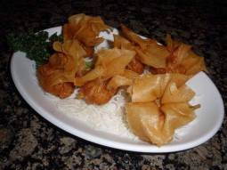 Crispy Wonton served with sweet and sour sauce