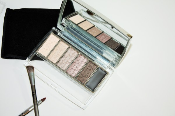 Dior-Eye-Reviver-Illuminating-Neutrals-Eye-Palette-review-swatches-Dior-Eye-Reviver-Eyeshadow-Palette004