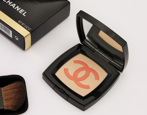 Chanel-INFINIMENT-Illuminating-Powder-Chanel-review-swatch-003