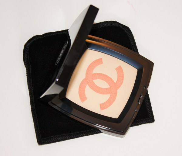 Chanel-INFINIMENT-Illuminating-Powder-Chanel-review-swatch-005