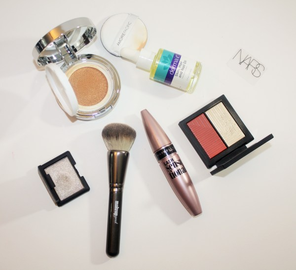 November-monthly-beauty-favorites-makeup-skincare-favourites001