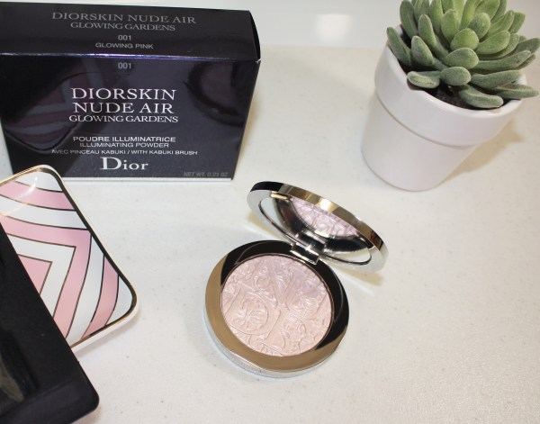 Dior Diorskin Nude Air Glowing Gardens Illuminating Powder in Glowing Pink Review004