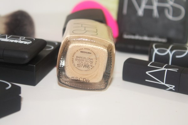 NARS Sheer Glow Foundation-review-swatches-002