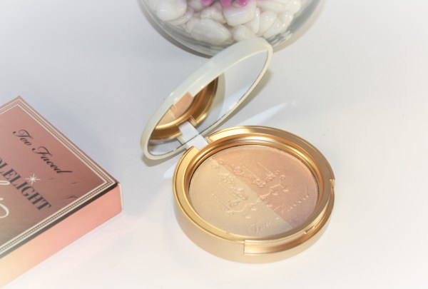 Too Faced Candlelight Glow Highlighting Powder Duo in Warm Glow-toofaced-warmglow001.jpg
