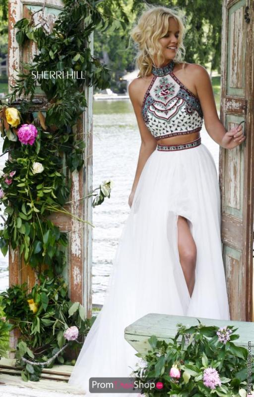 5 Pros To Buying Your Prom Dress Online