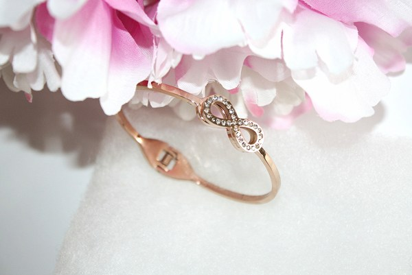 happiness-boutique-tied-together-infinity-bracelet-rose-gold-000