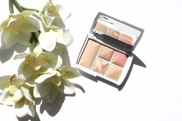 hourglass-ambient-lighting-edit-surreal-light-palette