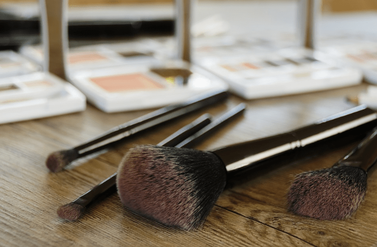 Makeup To Go: Step By Step For The Perfect Finish