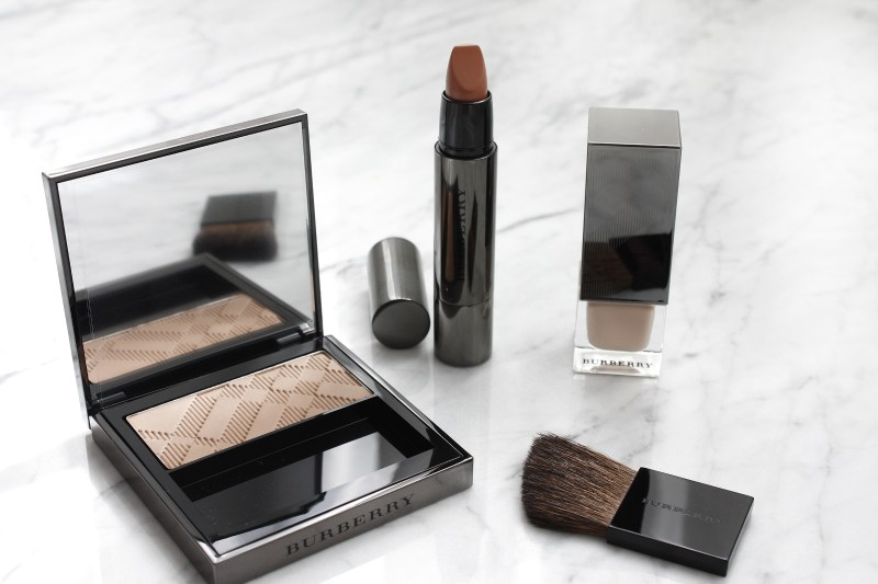 BURBERRY'S ANTIQUE NUDES COLLECTION