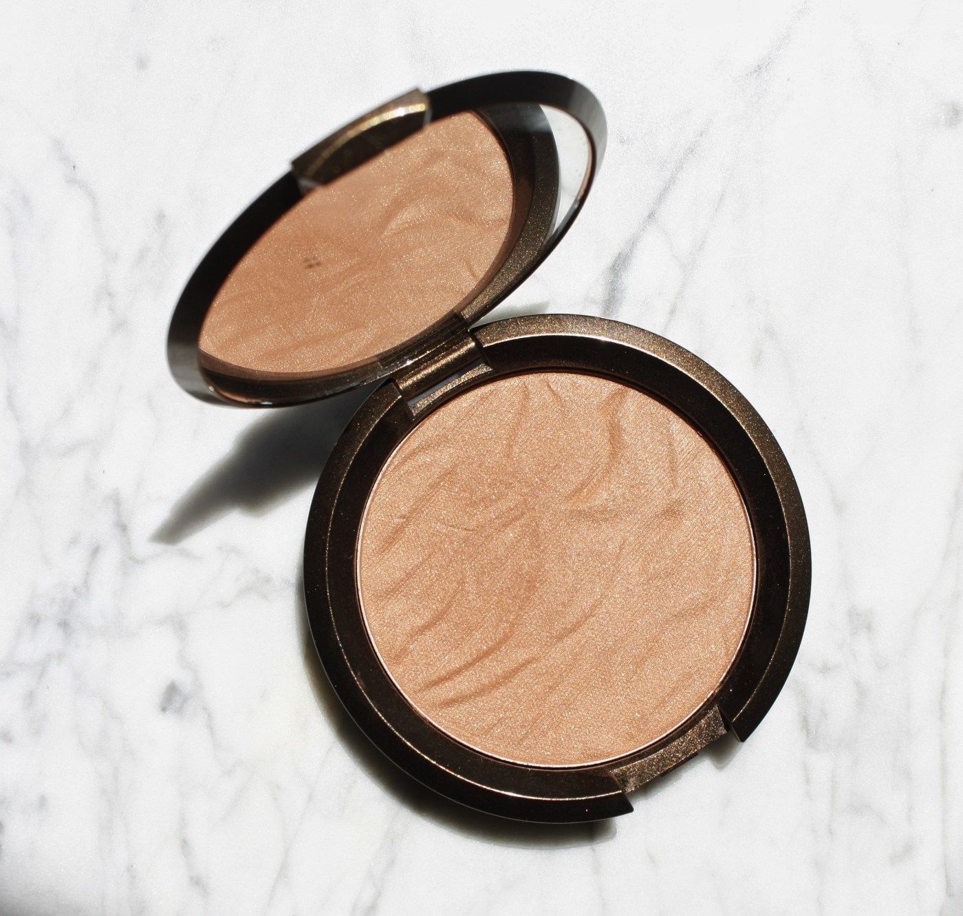 BEACHY CHEEKS WITH BECCA COSMETICS' SUNLIT BRONZER