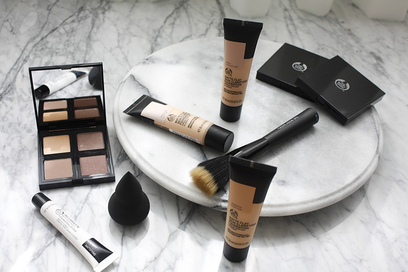 THE BODY SHOP MATTE CLAY FOUNDATION