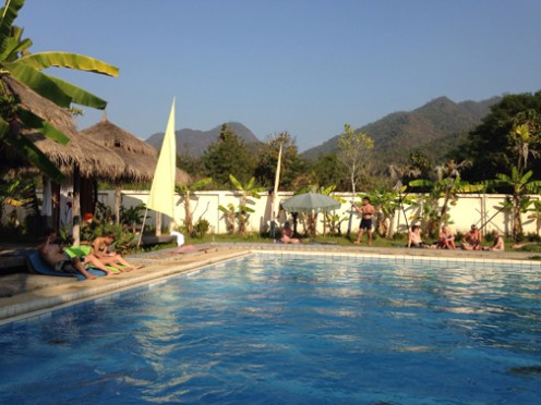 Fluid, the farang party pool. Water's cold!