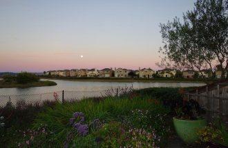 Full moonrise at Jean's house.