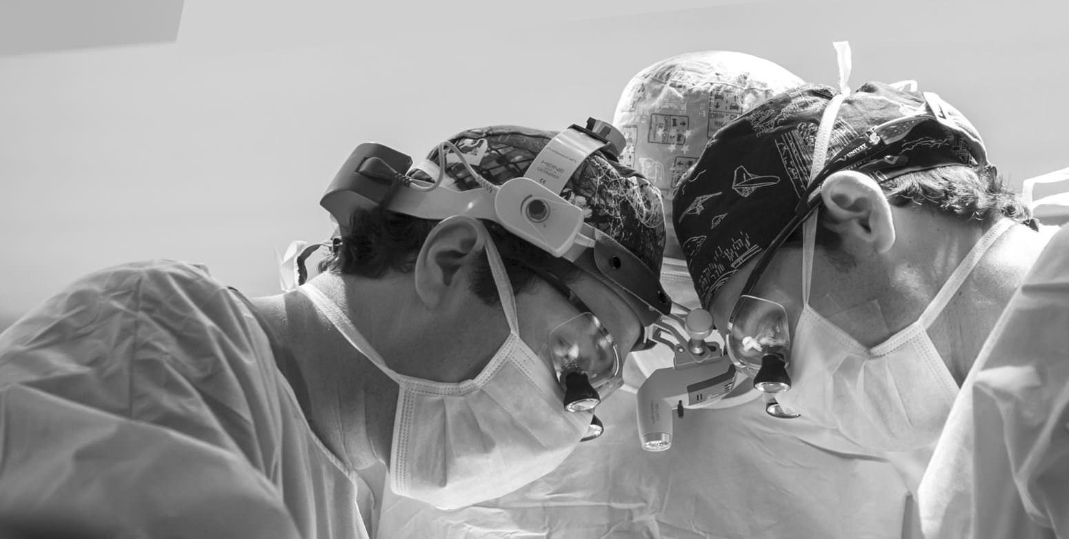 FACIALTEAM Surgeons in OR