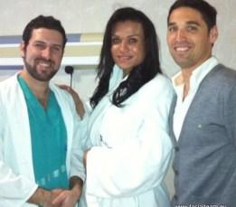 Dalila con Dr. Simon y Dr. Capitán
