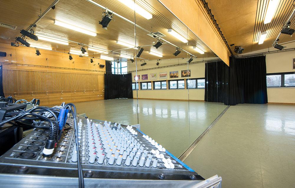 dance-studio-gallery01