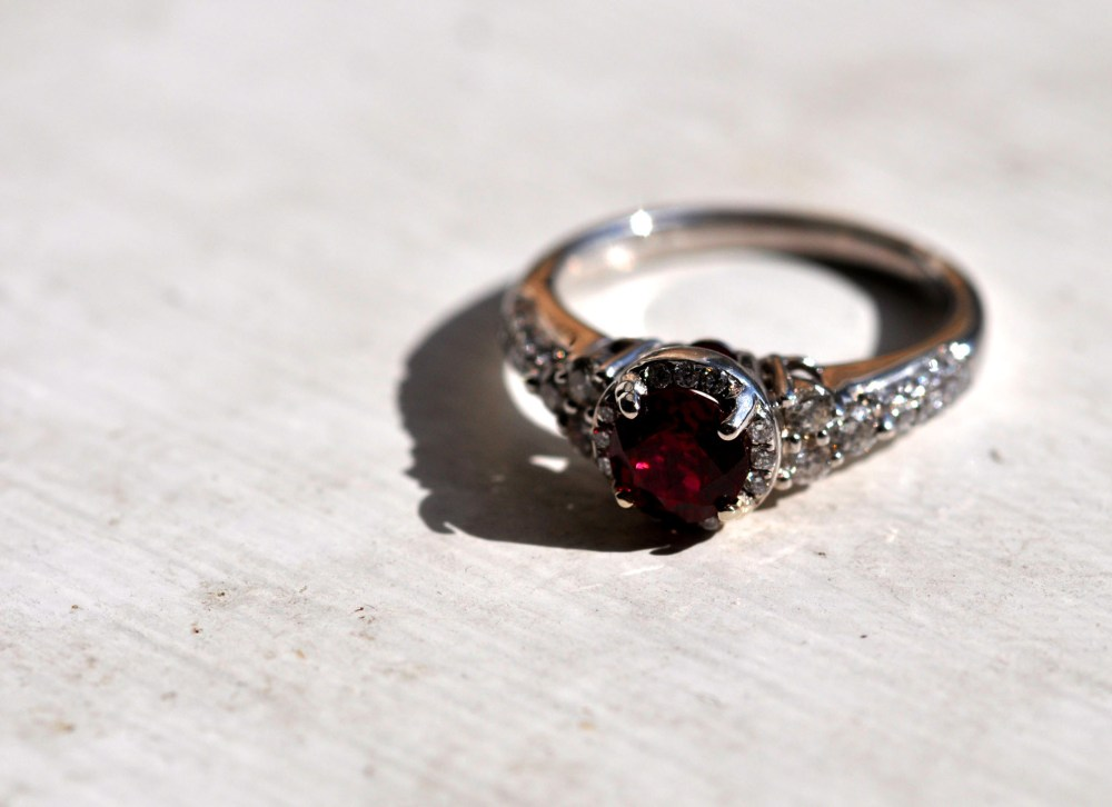 Better Engagement Ring Pictures (2/3)