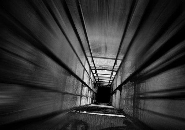 Можно ли выжить в падающей с высокого этажа кабине лифта?
