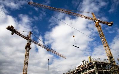 Contraloría ordena a municipio de Ñuñoa rectificar ordenanza que limita horarios de obras de construcción