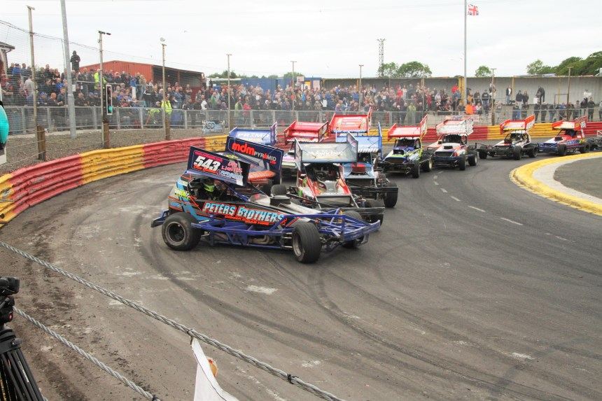 Lochgelly F1 action.jpg
