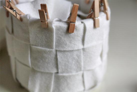 Woven Basket with Felt6 - Cestinha de feltro