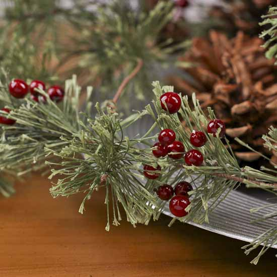 Pinecone And Berries Artificial Pine Trailer Holiday