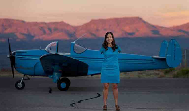 Jessica Cox world's first licensed armless pilot