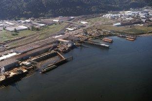Willamette River, Northwest Industrial, 1977