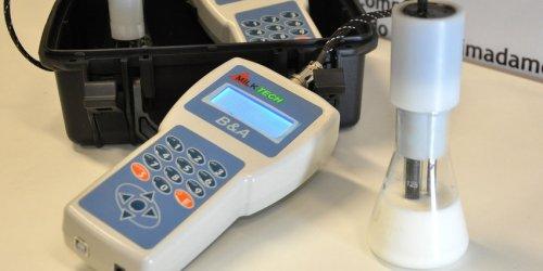 """Aparelho """"Milktech"""" desenvolvido na UFJF detecta alteração no leite"""