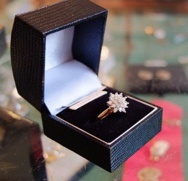 18ct Gold Diamond Cluster Ring image