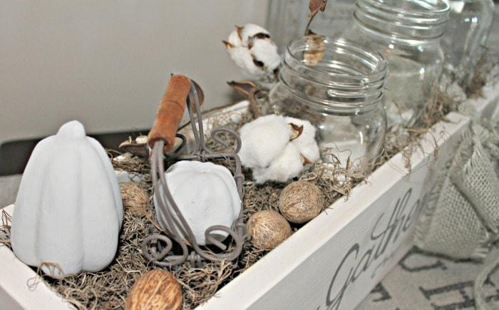 mason jar ideas, glass jar crafts, mason jar centerpiece ideas, farmhouse mason jar ideas,