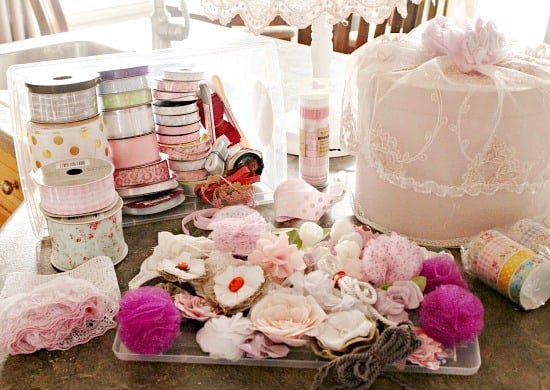 DIY hatbox, hatbox decorating ideas, shabby chic hatbox, decorated hatbox.