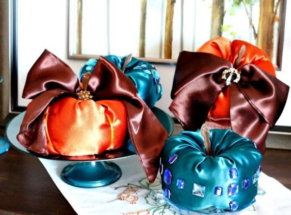 Diy Fabric Pumpkins, How to make fabric pumpkins, satin pumpkins, diy fall decor.