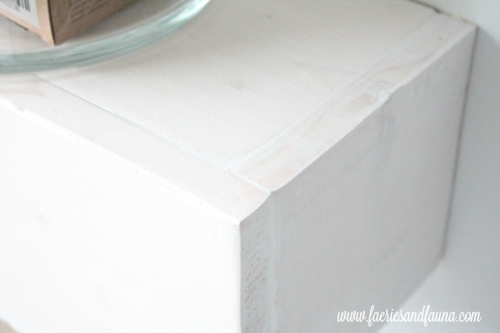DIY floating shelf for the bathroom how to finish with white pickling.