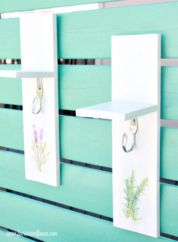 A simple woodworking project used for drying flowers or herb. Small wood projects, easy wood projects, easy woodworking projects, simple wood working projects, simple wood projects, wood projects, woodworking projects, flower drying, herb drying, scrap wood projects, hanging herbs, hanging flowers
