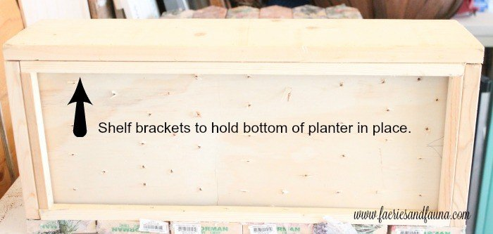 Shelf brackets on the bottom of a flower pot to hold up the weight of the soil. A pallet wood flower box for the back yard, DIY Wood Planter Plan, DIY flower box DIY planter, mod podge projects, mod podge crafts
