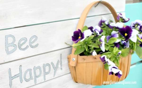 Hanging Flower Planter Sign made from scrap wood. And easy scrap wood project.