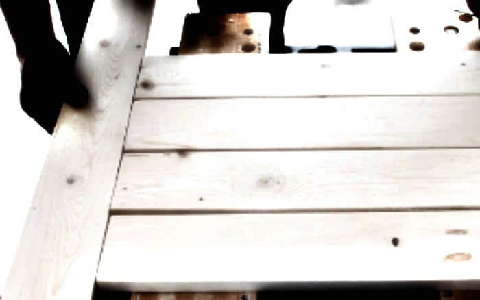 Building a DIY Planter Backdrop and Easy scrap wood project.